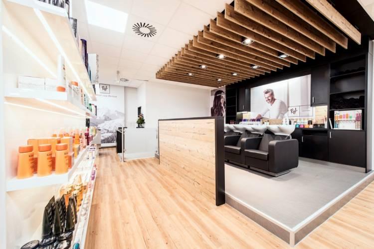 jobangebot friseur bei ryf coiffeur gmbh in hamburg. Black Bedroom Furniture Sets. Home Design Ideas